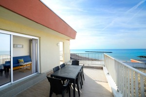 séjour-résidence-albatros-palavas-terrasse-mer-T3.jpg
